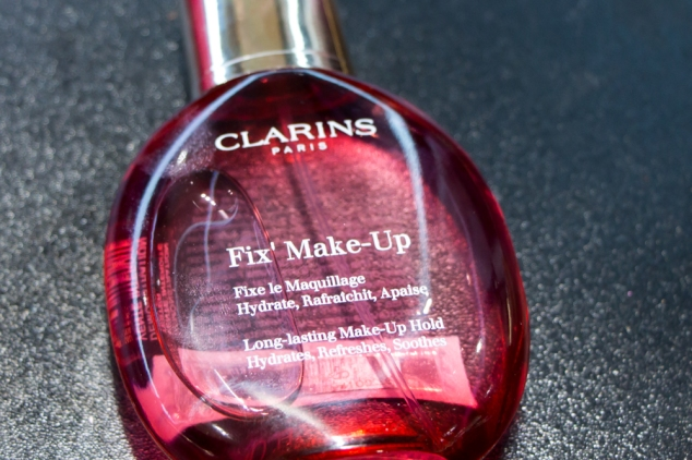 how to use clarins fix makeup