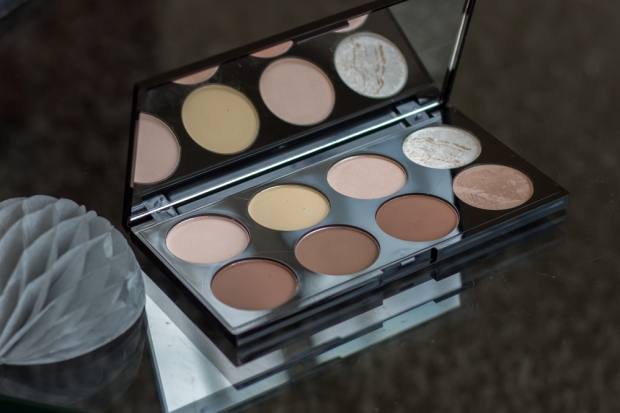 Ultra Contour Palette Makeup Revolution
