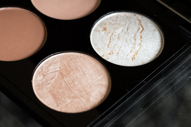Highlighter Ultra Contour Palette Makeup Revolution