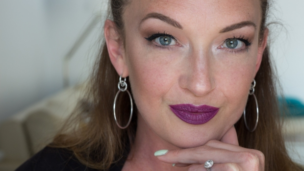 Glow Makeup Revolution France