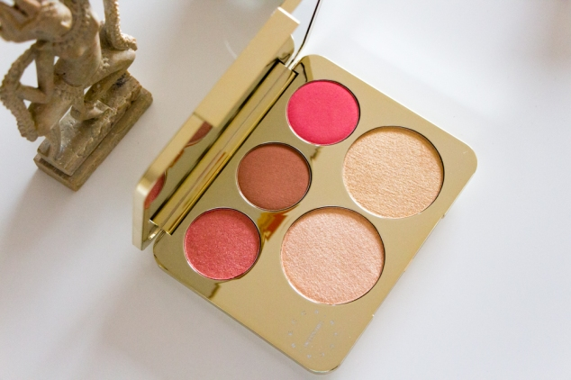 becca-cosmetics-queen-of-highlight-palette