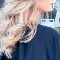 Un superbe blond froid grâce à Wella et Colin Vautier Coiffeur