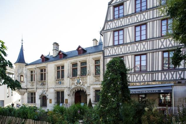 aura-mugler-hotel-de-bourgtheroulde-rouen