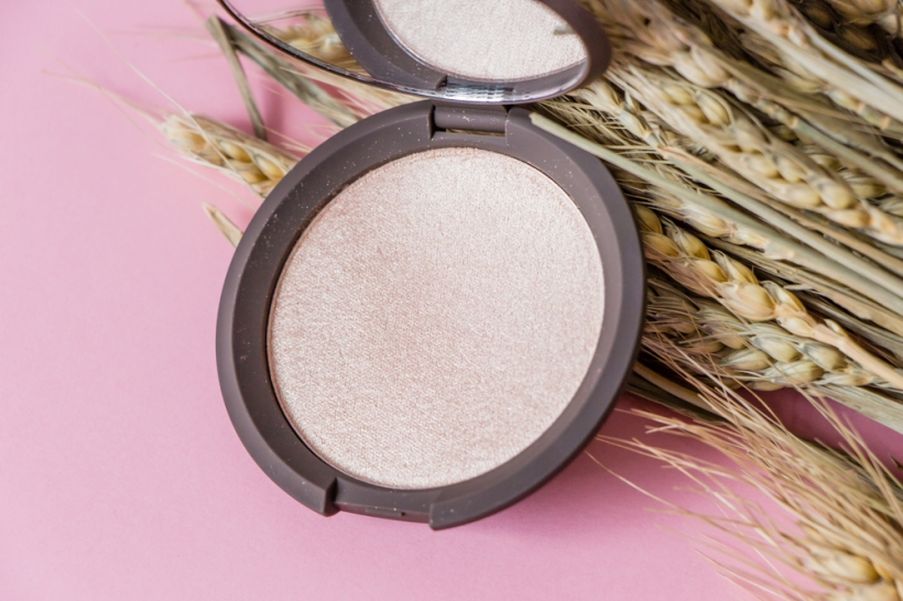becca-opal-shimmering-skin-perfector-enlumineur-poudre