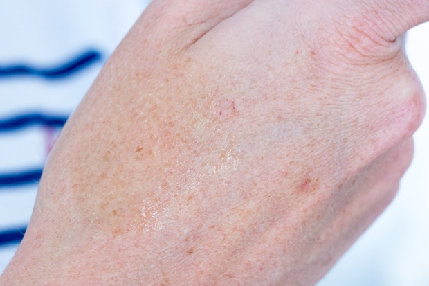 embryolisse-elixir-eclat-maquillage-swatch-perles
