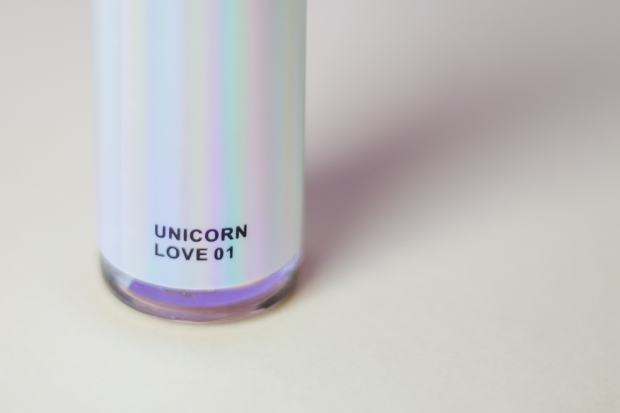 drop-and-glow-highlighter-djulicious-cosmetics-unicorn-love-flacon