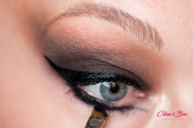 makeup-halloween-tutoriel-cat-eye-nudestix