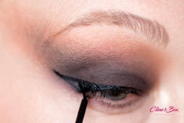 makeup-halloween-tutoriel-eyeliner