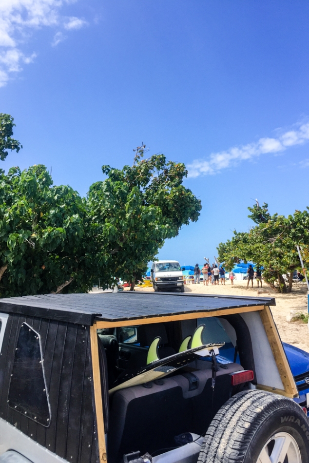 sint-maarteen-maho-beach-parking