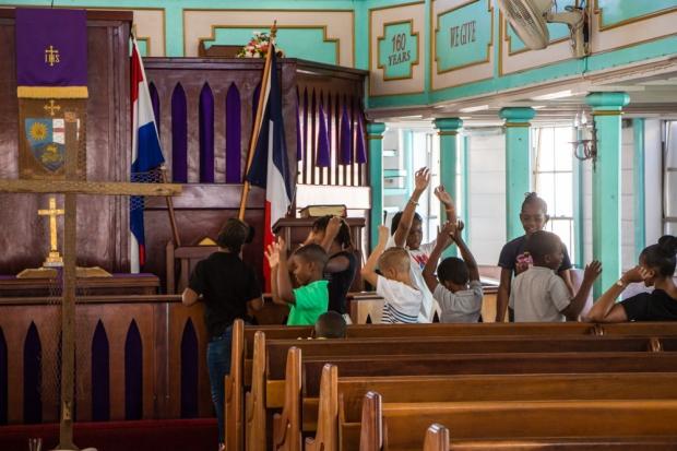 sint-maarten-philipsburg-methodist-church-childs