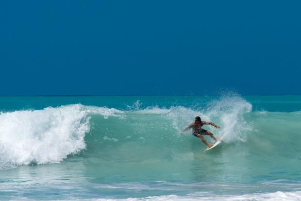 sint-martin-mullet-bay-surfer-session