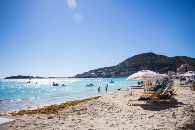 sint-maarten-great-bay-beach-activities