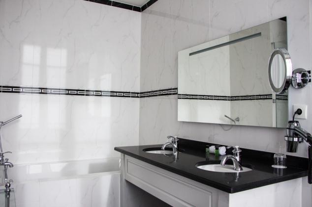 pavillon-henri-4-chambre-salle-de-bains