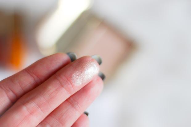 mon avis sur la nouvelle palette highlighter clarins poudre sculptante