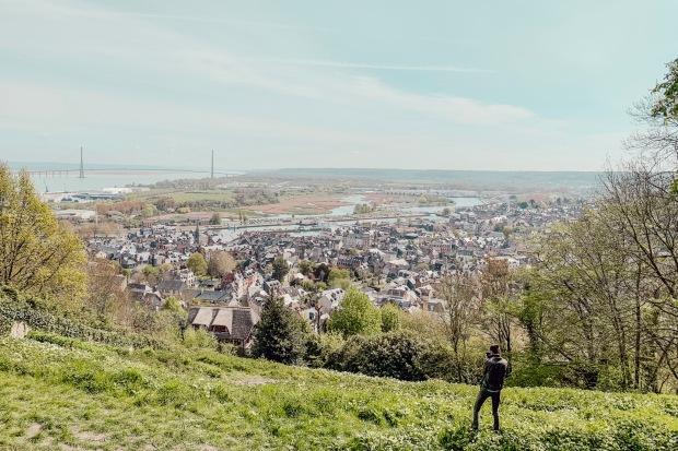 Vue panoramique sur Honfleur Normandie circuit en 2cv