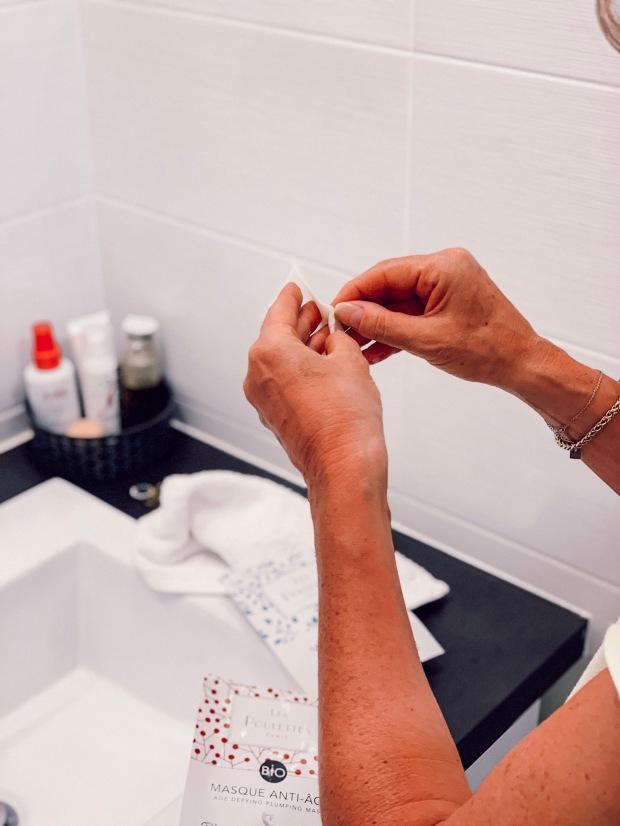 Comment appliquer le nouveau masque tissu visage BIO Les Poulettes Paris