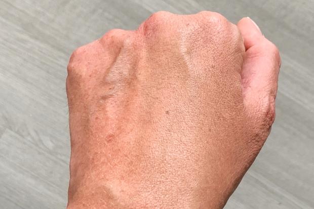fond de teint bobbi brown résultat sur la peau